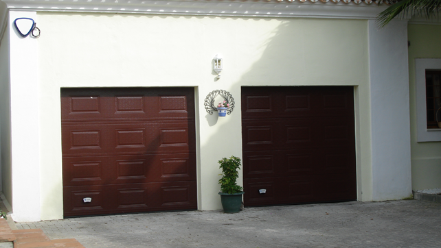 brown sectional gate